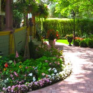 realizzazione e manutenzione giardini a Varese e Milano