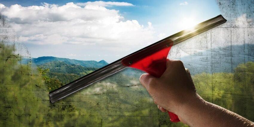 Pulizia dei vetri: un lavoro moderno