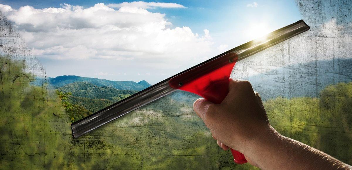 Pulizia dei vetri moderne soluzioni magica servizi - Pulizia vetri finestre ...