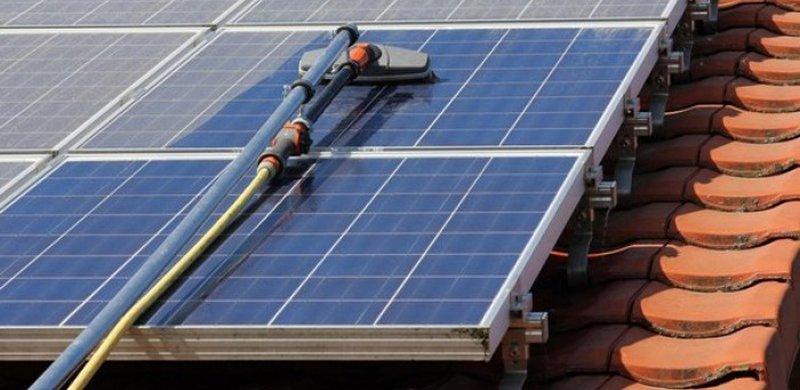 Tieni puliti i tuoi pannelli fotovoltaici: il portafoglio ti ringrazierà
